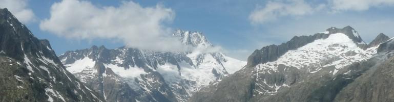 Bergpanorama um den Rhonegletscher.