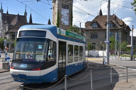 Das Cobra-Tram mit der Nummer 3001 heisst Stadt Zürich. Foto: Pascal Wiederkehr